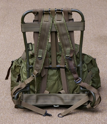 the t62 1 went on to become the p63 p65 p68 lightweight tropcal rucksack of vietnam special forces and airborne fame